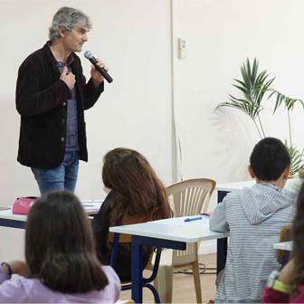 SPÉCIAL SALON DU LIVRE: INTERVENTION DE L'ÉCRIVAIN ALEX COUSSEAU EN CLASSE DE 6ÈME